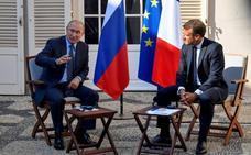 Putin defiende sus políticas con la oposición, Ucrania y Siria ante Macron