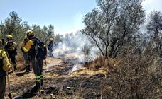 Imágenes del incendio registrado en la localidad cacereña de Calzadilla
