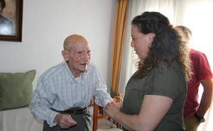 El vecino de La Antigua José Gómez Ledesma celebra su 100 cumpleaños