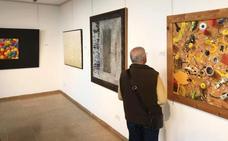 Más de 60 obras optan al VIII Premio Juan Aparicio en Don Benito