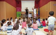 Continúan los cuentacuentos en la biblioteca pública de Cáceres
