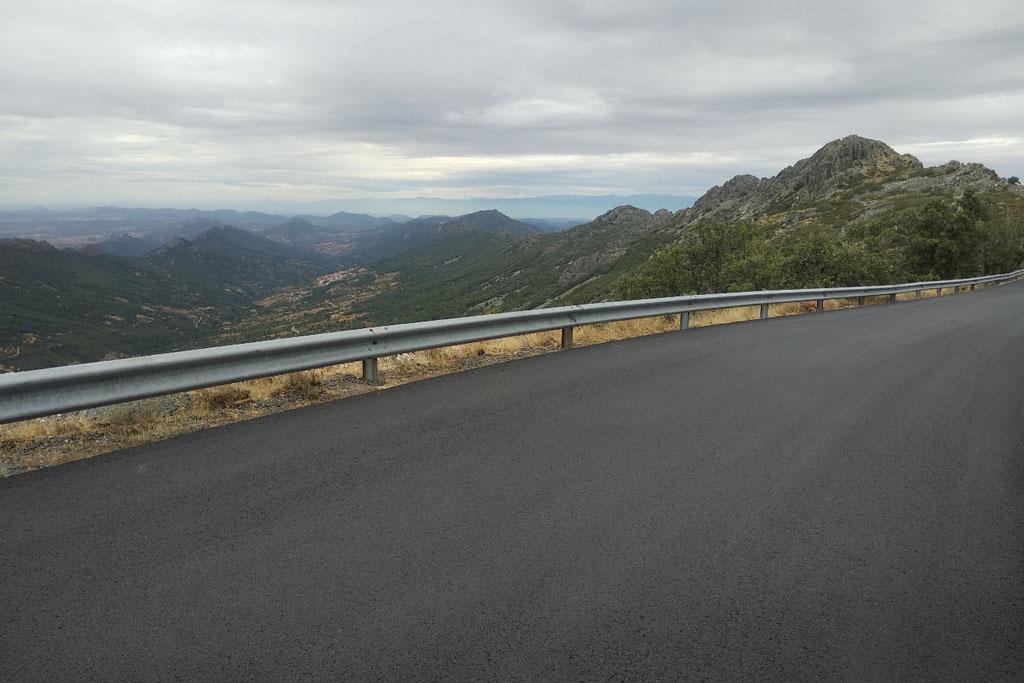 La Diputación de Cáceres acondiciona el acceso al pico Villuercas con casi un millón de euros