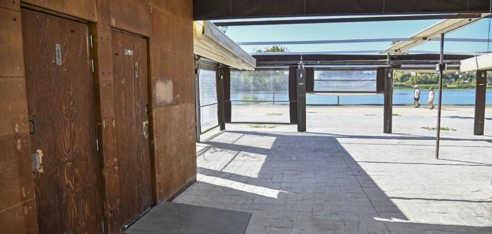 El parque de la Margen Derecha del río en Badajoz se queda con un solo baño público