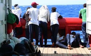 A los 356 rescatados del Ocean Viking les quedan víveres para cinco días