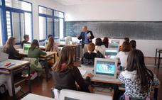 La Junta convoca ayudas para contratar 36 docentes que impartirán programas educativos