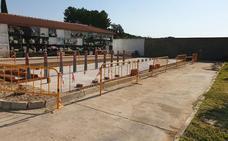 Los quince alumnos de la escuela profesional construirán sesenta nuevos nichos en el cementerio de Jaraíz