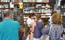 Las farmacias extremeñas suman un año sin más de 300 medicamentos