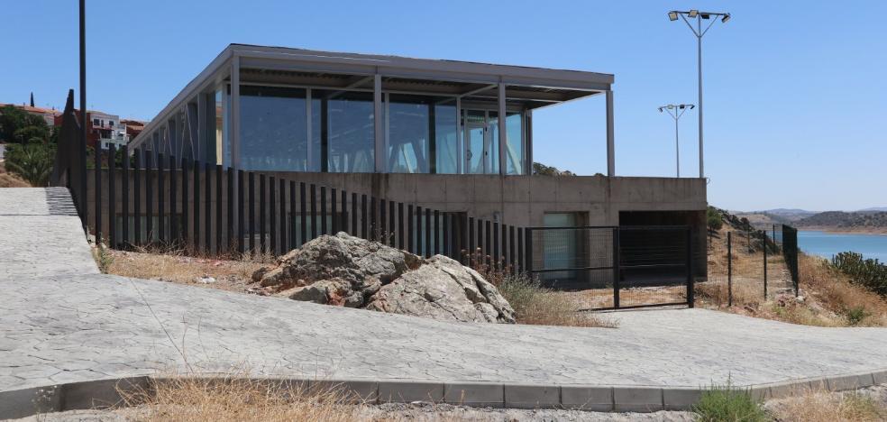 La Junta promete que este año abrirá el centro de piragüismo de Alange