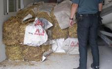Investigan a un vecino de Badajoz al que le intervinieron 620 kilos de hoja seca de tabaco de contrabando