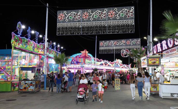 Ambiente y encendido en el primer día de la Feria de Mérida