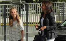 La Reina y la princesa Leonor visitan al Rey emérito en el hospital