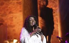Gloria Gaynor actúa en el Teatro Romano dentro del Festival Stone & Music