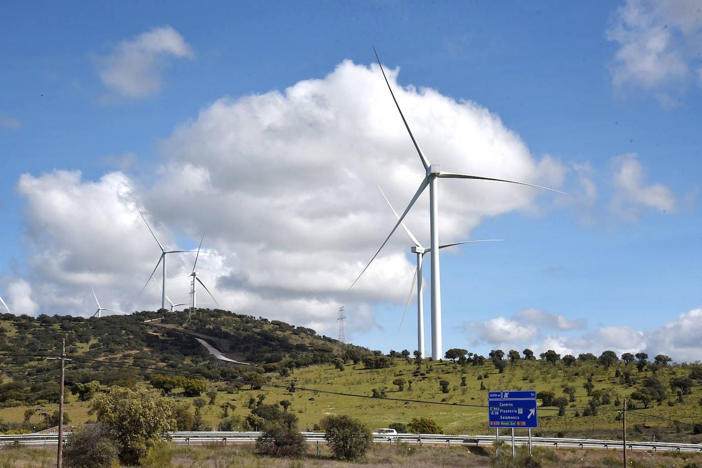 Publicada la solicitud de autorización administrativa y de impacto ambiental del segundo parque eólico en Plasencia