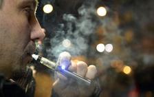 La mitad de los jóvenes españoles ha fumado cigarrillos electrónicos