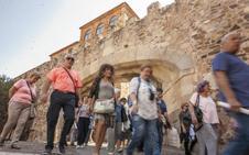 Cáceres aspira a ser el centro de recepción de visitantes de la región
