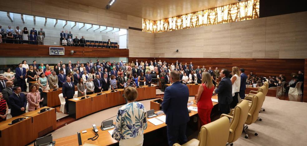 Fernández Vara reclama para 2020 un plan de autovías y el fin de las obras del tren