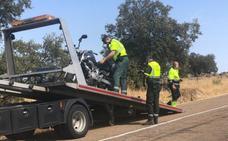 Fallece un motorista de 41 años de Almendralejo cerca de Segura de León