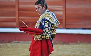 Toreros y toros extremeños como homenaje a la Extremadura taurina, esta tarde en el coso dombenitense