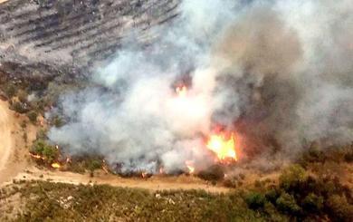 El Infoex trabaja para sofocar dos incendios en Collado y Aldeanueva de la Vera