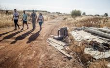 Los escombros y el amianto rodean Las Vaguadas