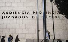 Condenado a dos años de cárcel por apedrear a un hombre en una finca de Alcúescar