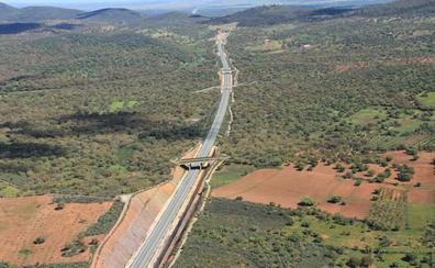 Adif adjudica parte del proyecto de electrificación del tramo Puertollano-Mérida