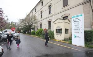 El alcalde de Cáceres no comparte que se cierre el PAC del Hospital Provincial sin su reubicación