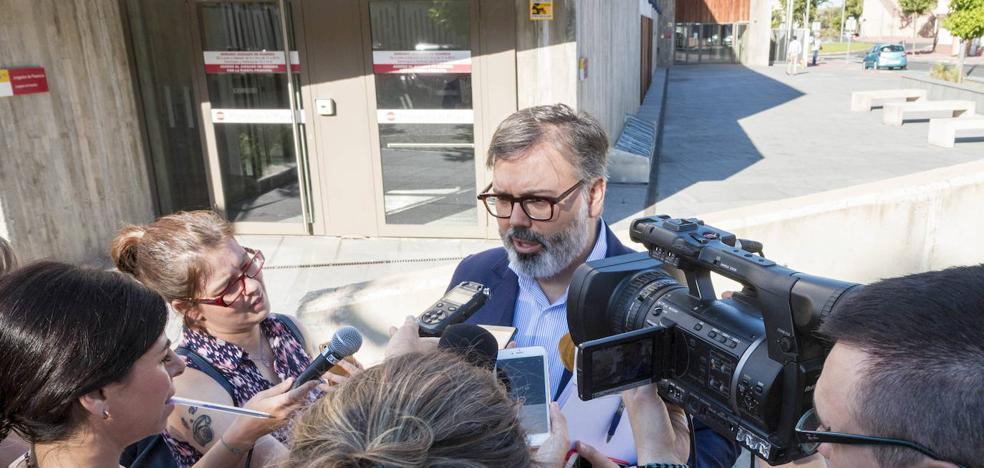 La jueza archiva la causa contra el alcalde de Plasencia por las casas ilegales de Santa Bárbara