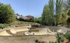 El alcalde prevé que el parque de patinaje estará terminado en mes y medio