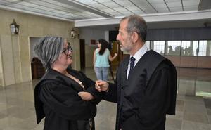 La Fiscalía de Badajoz pide 10 años de cárcel para un hombre acusado de agredir sexualmente a su hijastra