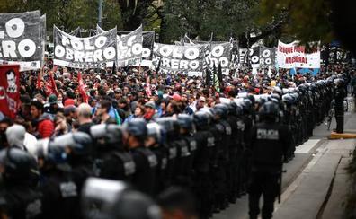 Hambre a las puertas del Congreso argentino