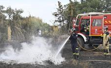 Estabilizan y desactivan el nivel 1 de peligrosidad del incendio forestal de Bótoa