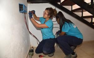 Bienvenida, Valdeobispo y Montánchez forman a sus desempleados en energías renovables