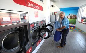 Lavar la ropa fuera de casa