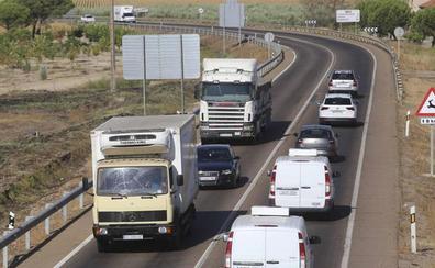 Los camiones asfixian la N-430