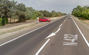 Una niña y tres adultos, heridos leves en un choque cerca de la urbanización Campomanes de Badajoz