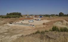Arranca la obra de la rotonda de la Ronda Sur de Badajoz en la carretera de Olivenza