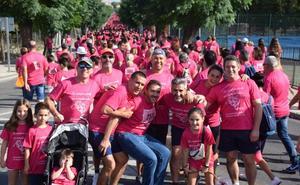 Trujillo se tiñe un año mas de rosa con su marcha contra el cáncer