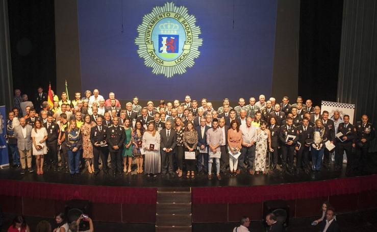 La Policía Local de Badajoz celebró el día de su Patrona premiando a más de un centenar de personas