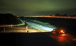 El cambio automático de luz larga y corta no detecta ni a peatones ni a ciclistas