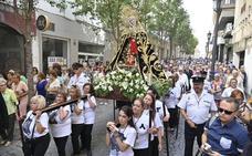 Procesión por el día de la Virgen de la Soledad