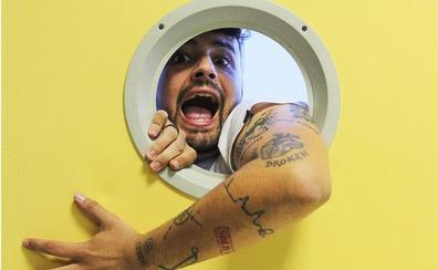 El humorista Juan Amodeo ofrece este viernes en Badajoz un espectáculo cómico sobre temas de actualidad