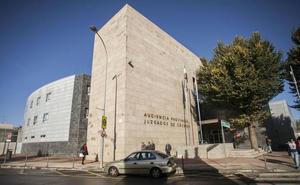 Dos años de prisión por agredir a un abogado en Coria que le acusó en un juicio