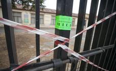 El Ayuntamiento precinta El Madruelo por su mal estado