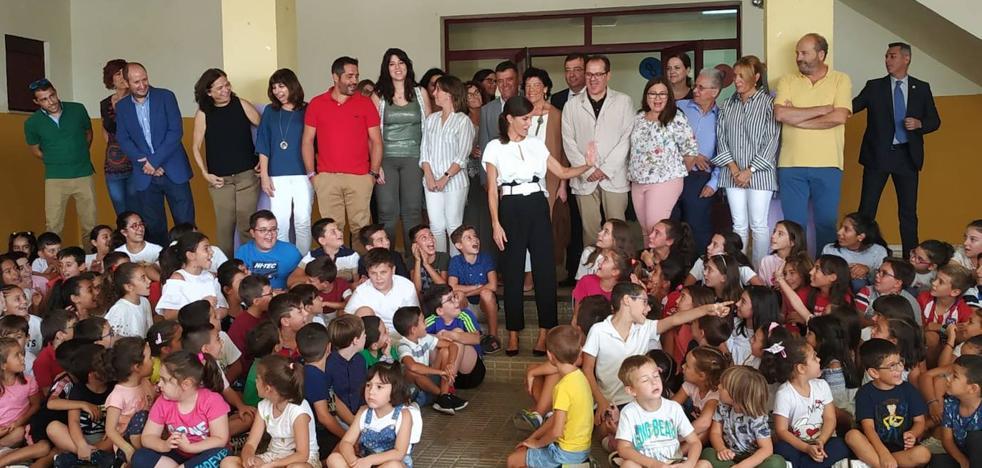 La escuela rural se luce ante la Reina