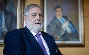 El historiador, político y periodista Juan Van-Halen abre las conferencias de Aula HOY