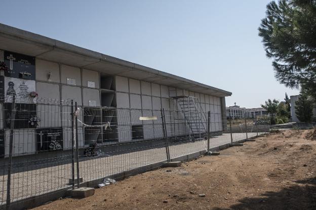 472.000 euros para levantar otros dos bloques de nichos en el cementerio nuevo de Badajoz