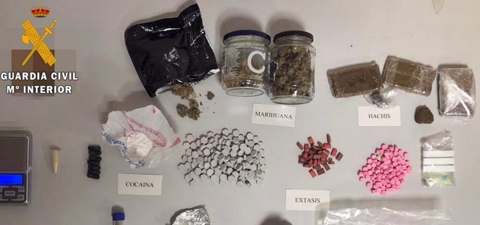 Detenidos cuatro encargados del montaje de un festival en La Codosera que pretendían vender droga durante el evento