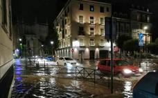 Una tromba de treinta litros anega calles, garajes, comercios y túneles en Valladolid