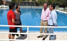 Obras maneja tres posibles causas de la pérdida de agua de la piscina
